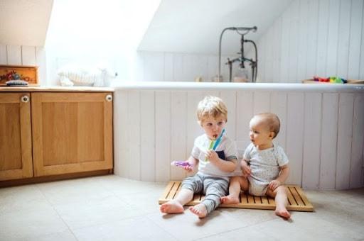 Cum să amenajezi baia perfectă pentru copilul tău?