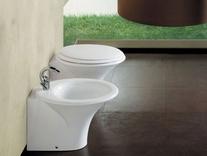 Ambient cu vas WC si bideu stativ SCULTURE